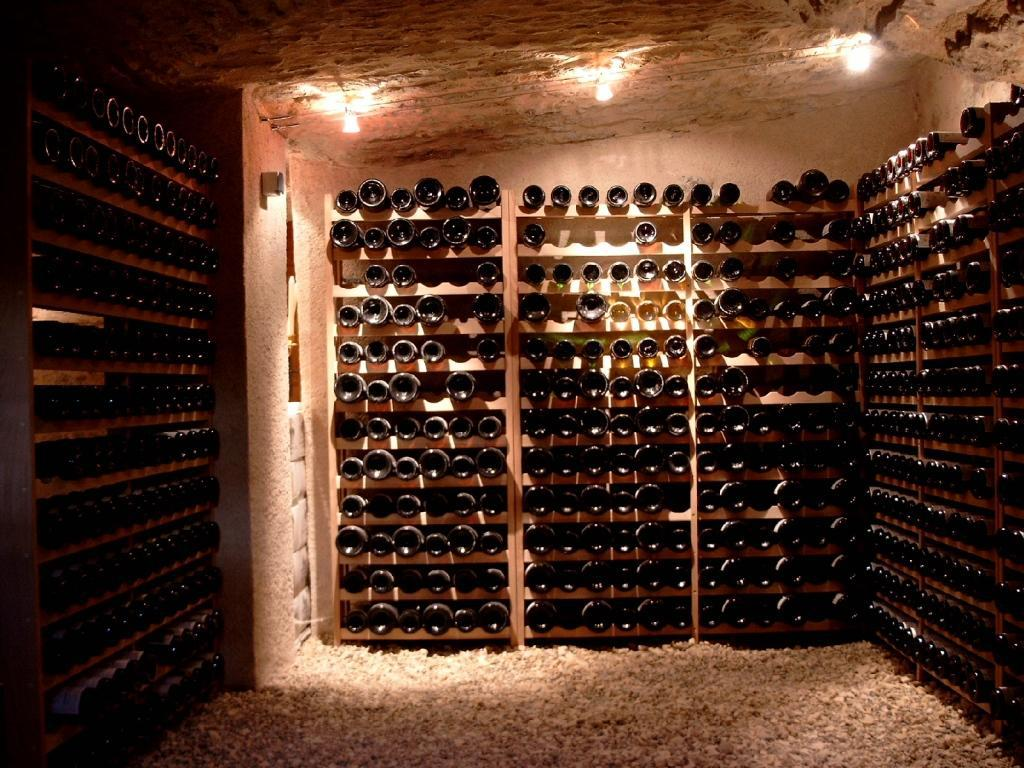 Comment Ranger Son Armoire À Vin relais du vin & co | conserver son vin